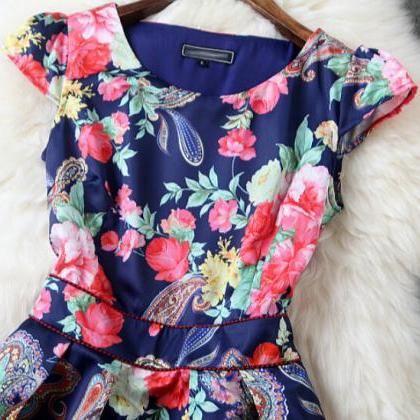 Slim Round Neck Printed Short-Sleev..
