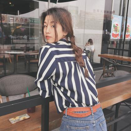 Loose striped blouse shirt