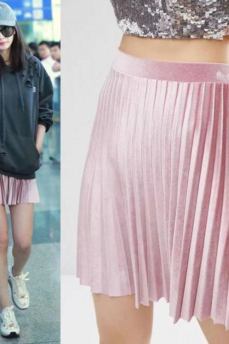 Metallic pink pleated skirt