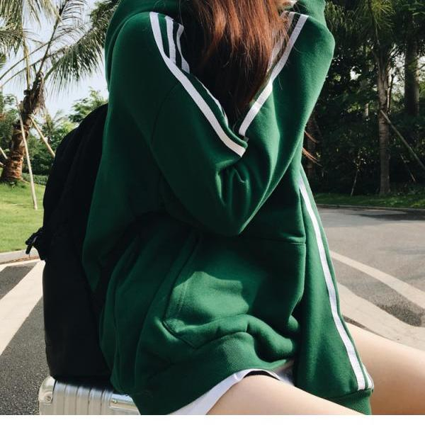 Green Long Sleeve SweatShirt With Hoodie